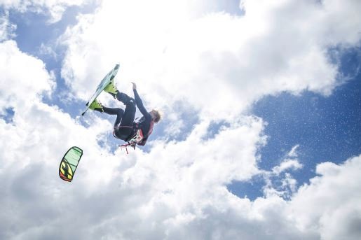 MDS123-Kitesurf-Photo1